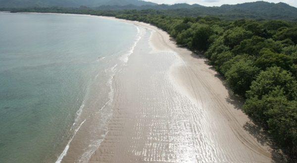 Casa Las Brisas Costa Rica beach at Playa Flamingo!