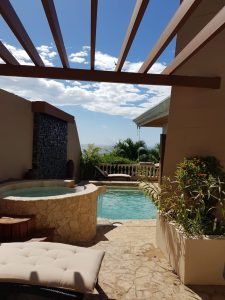 Casa Las Brisas Costa Rica pool and jacuzzi at this large family beach front rental Costa Rica property.