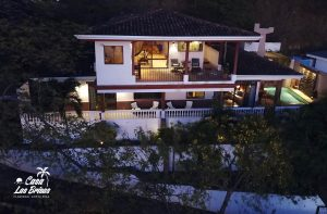 Casa Las Brisas Costa Rica offers the best luxury vacation costa rica with room for large families.