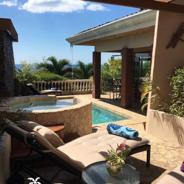 Costa Rica luxury beach vacation rental Casa Las Brisas in Flamingo Costa Rica features a pool and hot tub